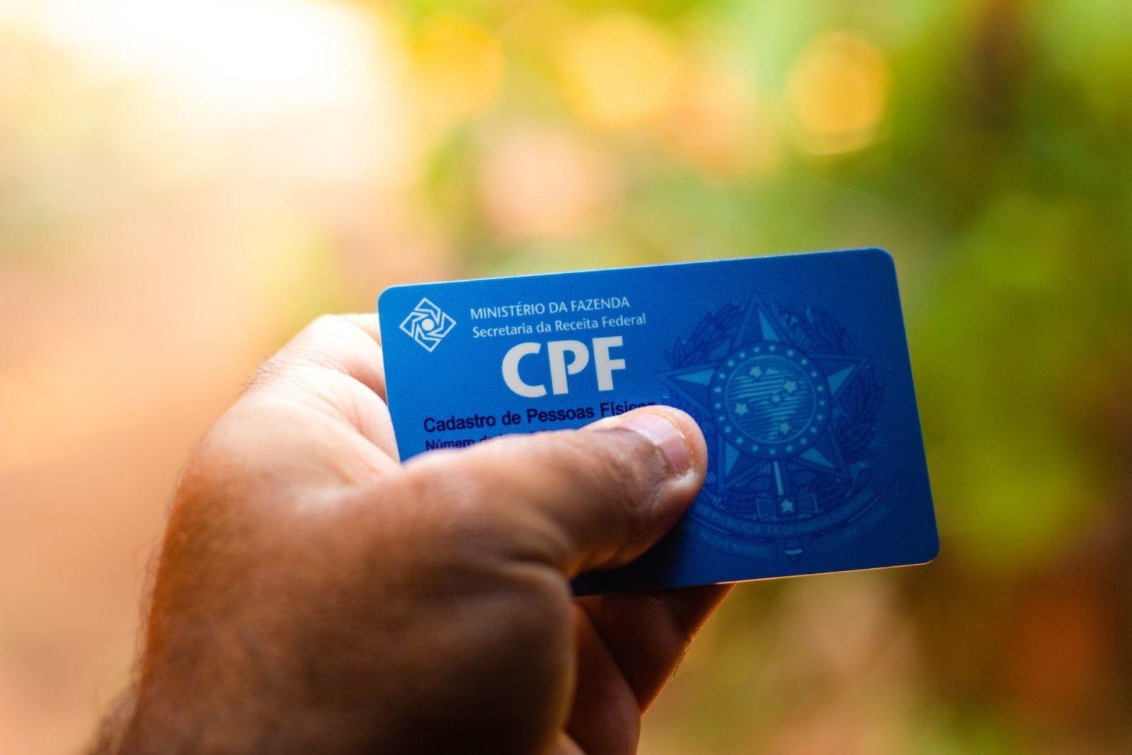 mao segurando cpf consulta precatorio trf3 empresa precato