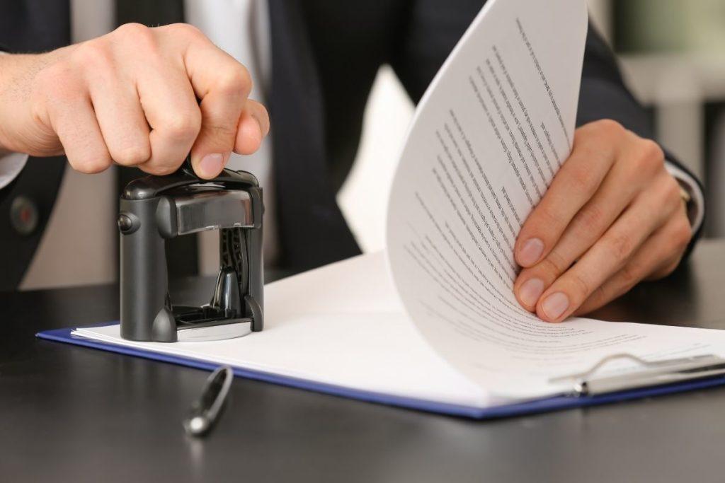 Escritura pública: documento judicial garante segurança em negociações